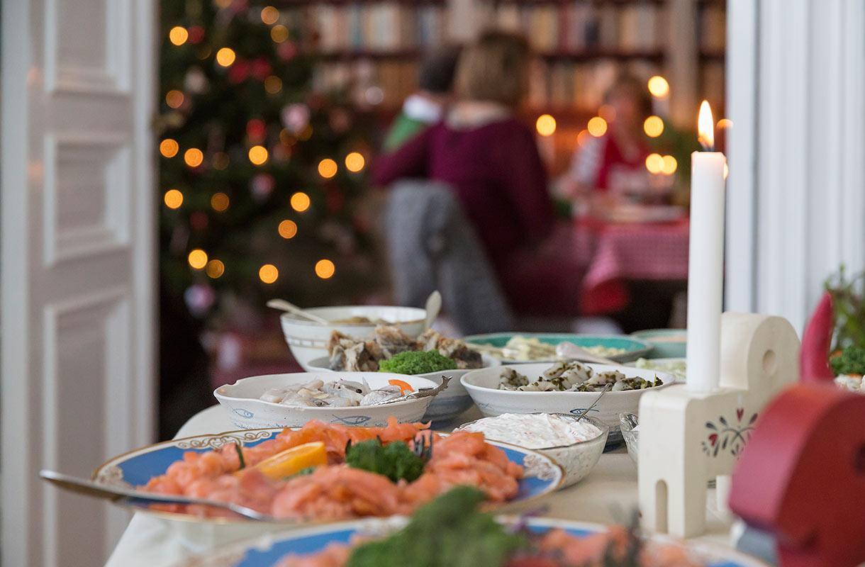 Joulupöytä Ruotsissa
