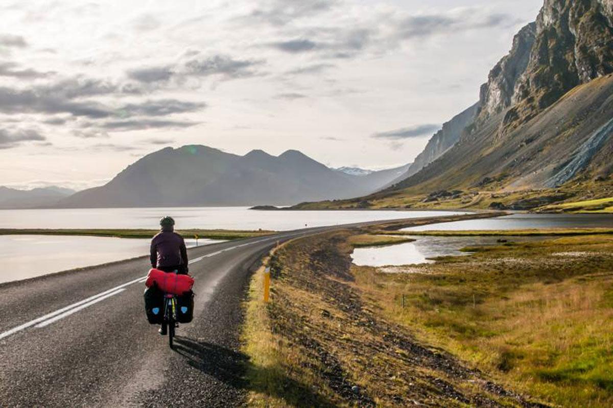 Pyörällä Islannissa