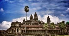 Turistien nakukuvat suututtavat Angkor Watin temppeleillä
