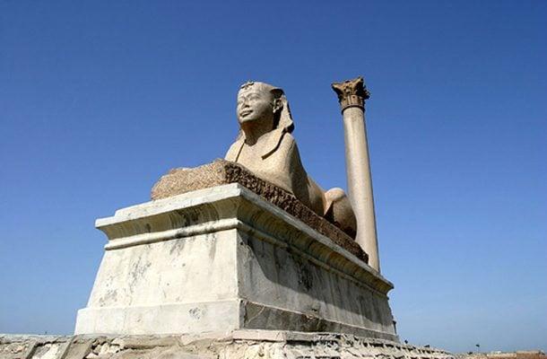 Egypti-Aleksandria-Pompeiuksen-Pilari-Flickr-Benjamin