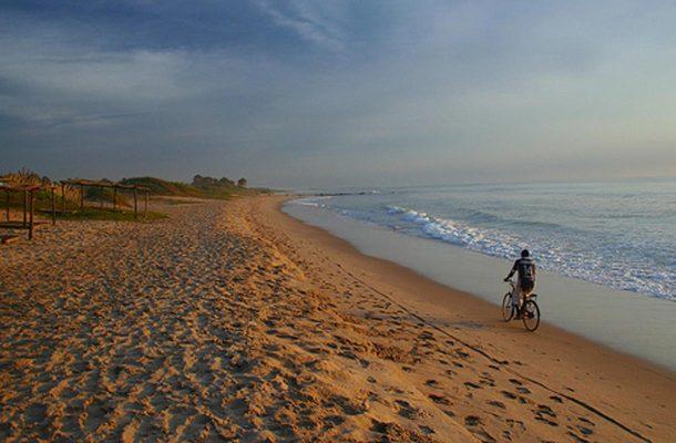 Gambian suosituimmilla turistialueilla kannattaa vuokrata polkupyörä.