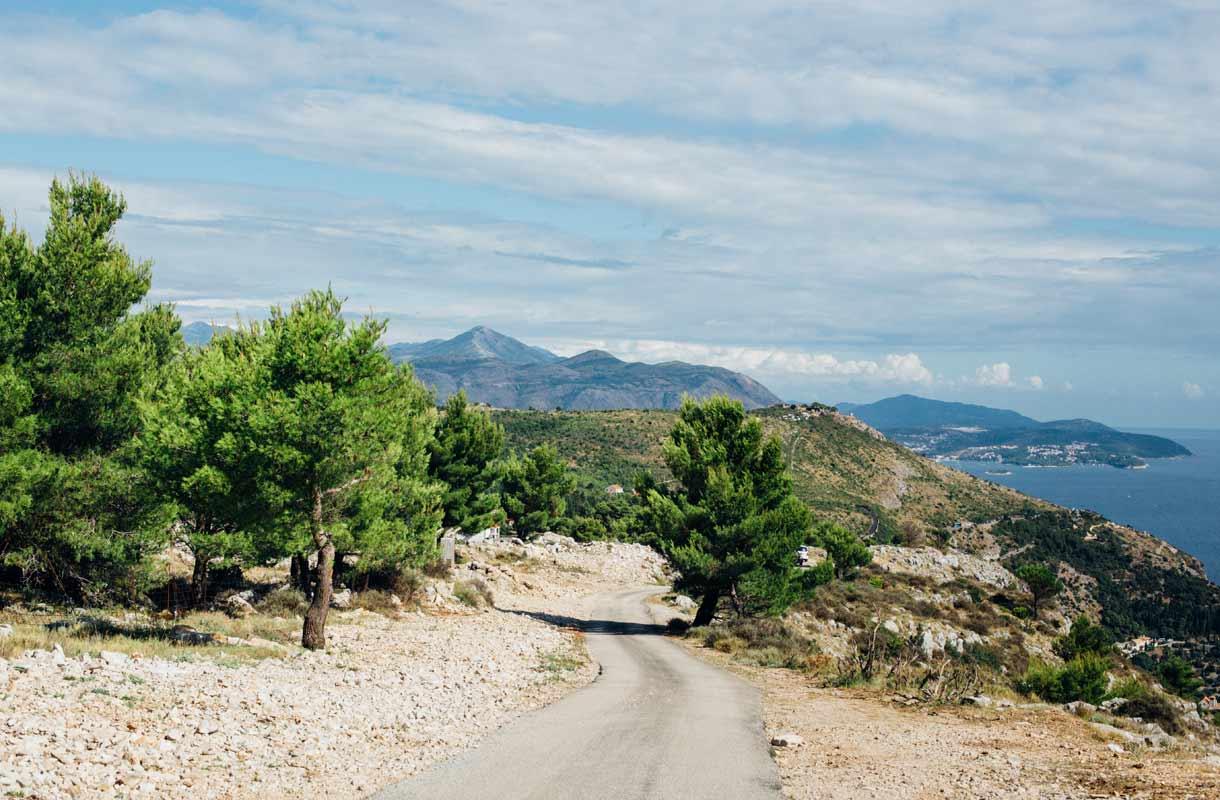 Vuoristomaisemia Kroatiassa