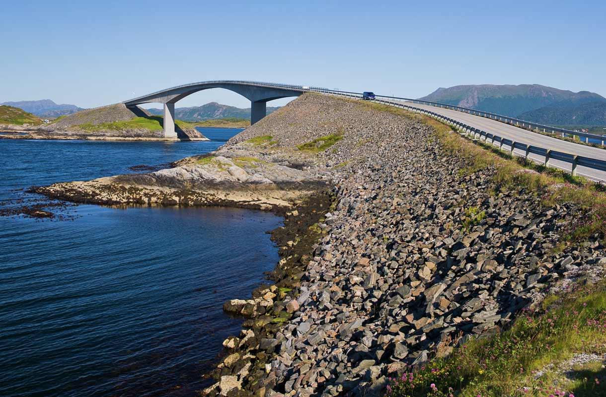 Atlantin väylä koostuu seitsemästä sillasta