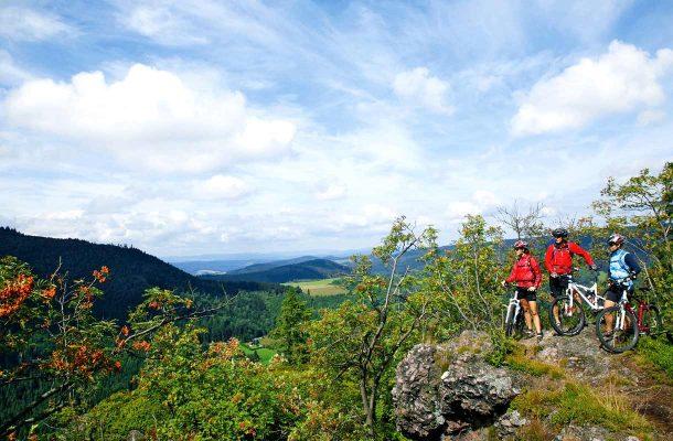 Pyöräilijät vuorella