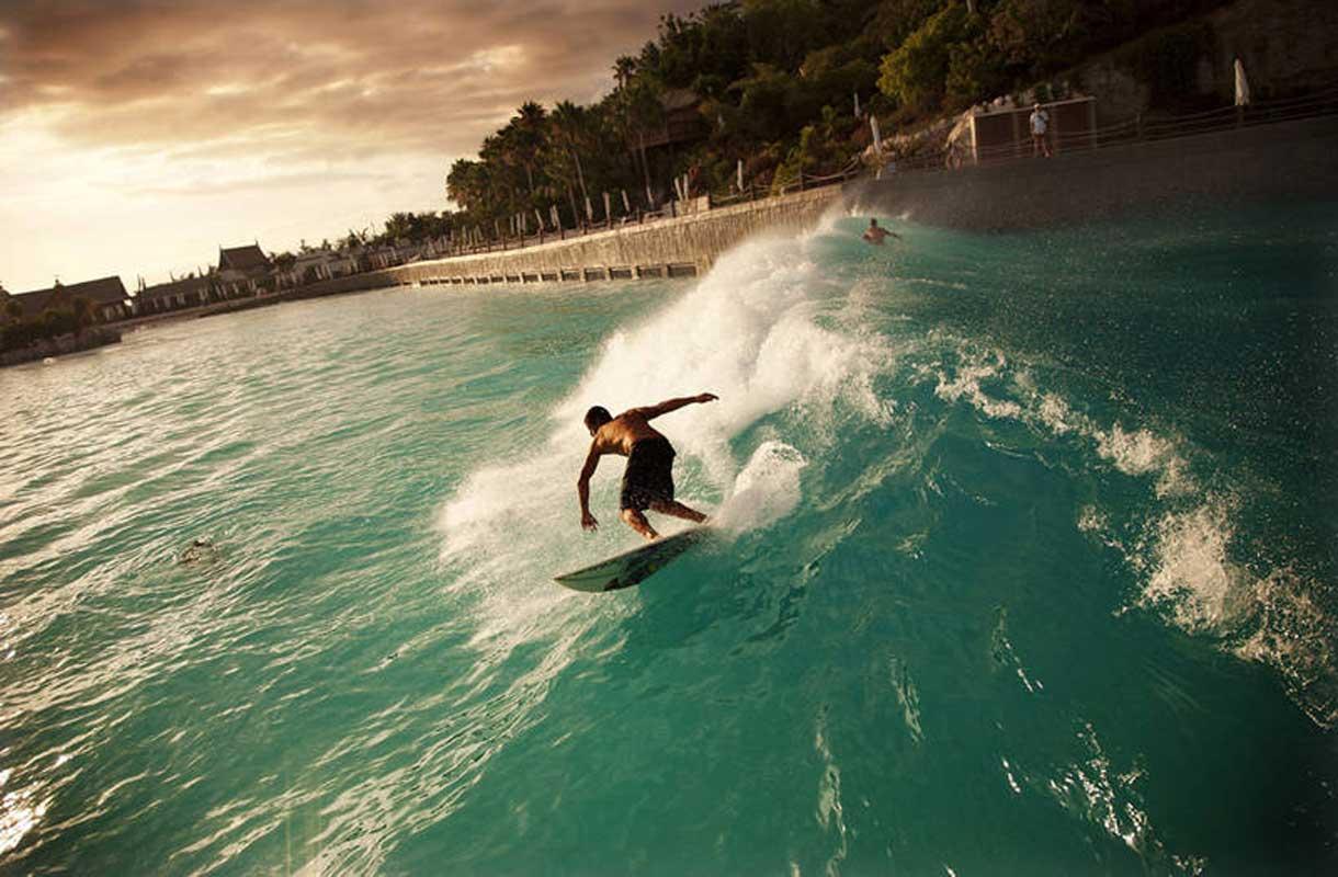 Keinotekoiset aallot Teneriffan Siam Park -vesipuistossa