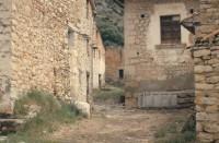 Hylätyssä espanjalaiskylässä asuu pariskunta, joka ei koskaan lähtenyt