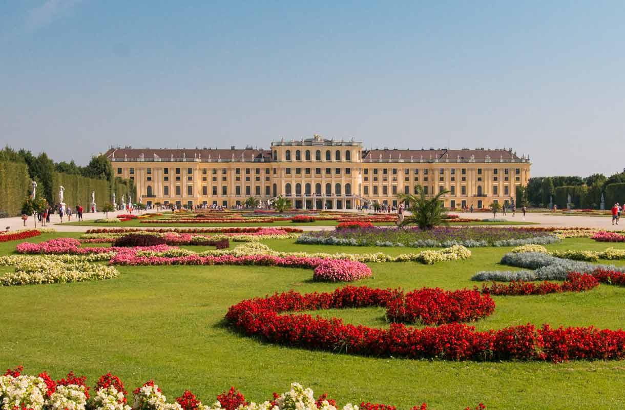Schönbrunnin linna Wienissä