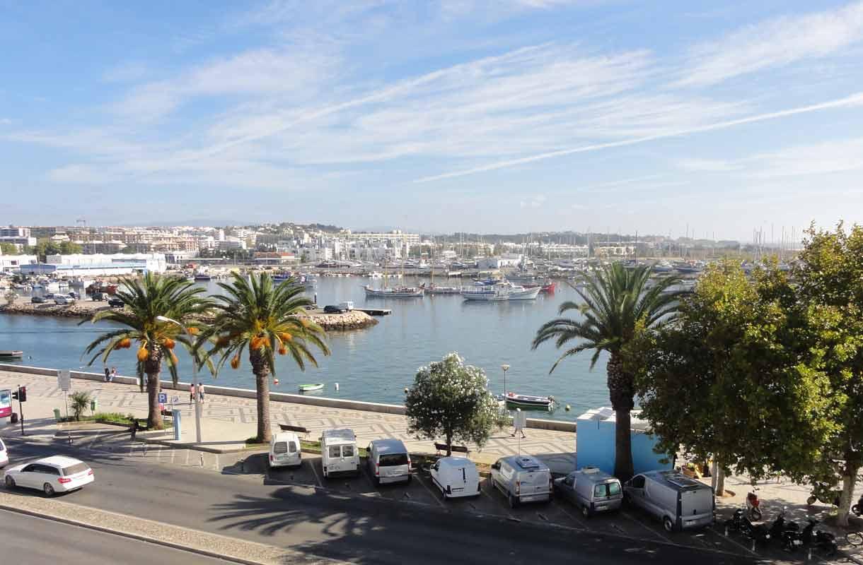 Algarven rannikko sijaitsee Portugalin eteläisimmässä kolkassa.
