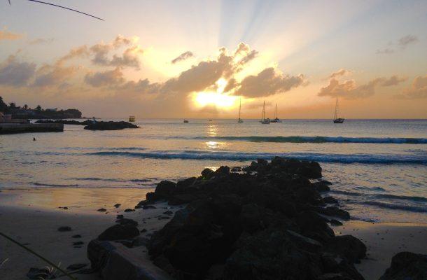 Auringonlasku Tobagossa