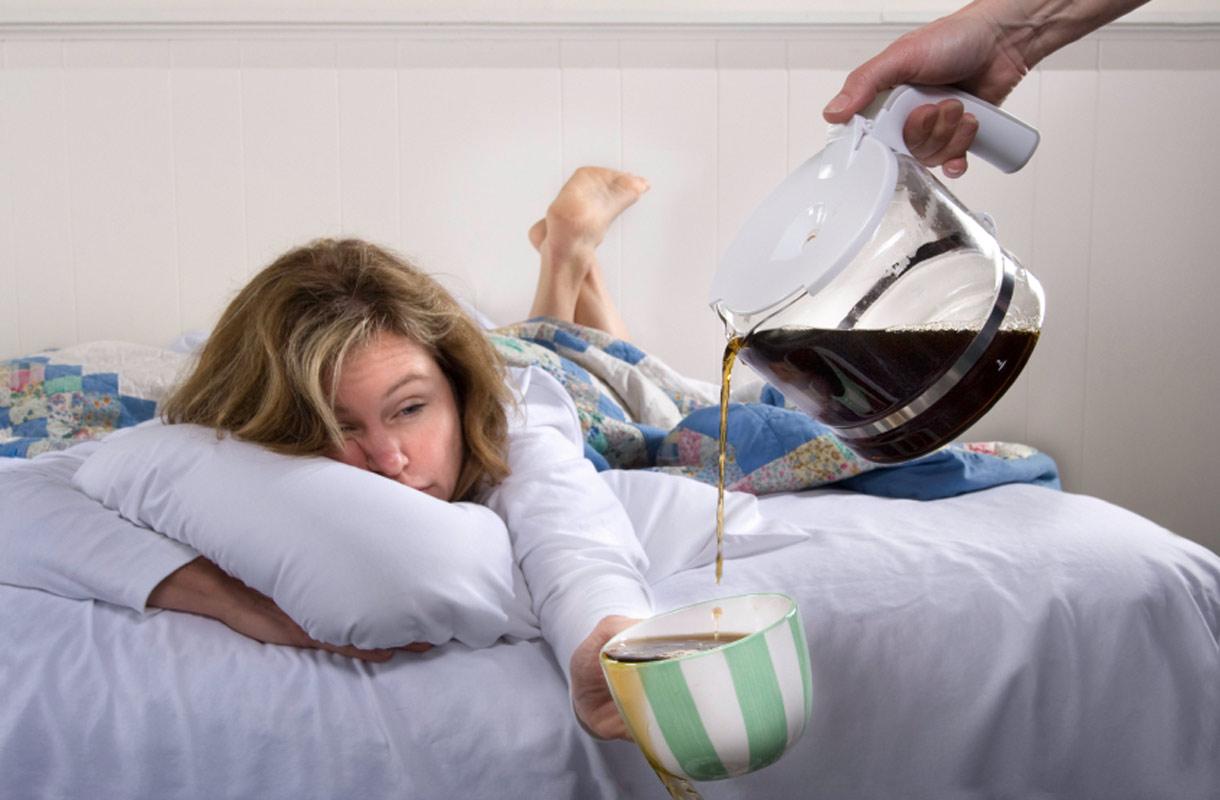 Melatoniini auttaa aikaerorasitukseen