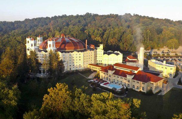 Yhdysvaltojen Indianan West Baden Springs -hotelli