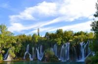 Bosnia ja Herzegovinan Kravice-putouksilla voi virkistäytyä hellepäivänä