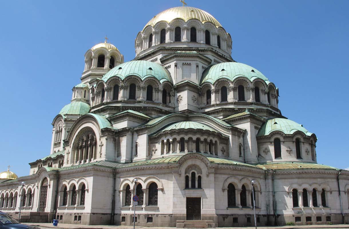 Aleksanteri Nevskin katedraali on Sofian kirkoista näyttävin.