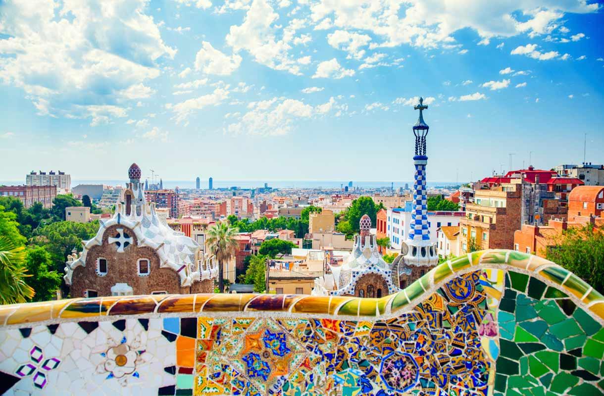 Barcelona tunnetaan Gaudin arkkitehtuurista