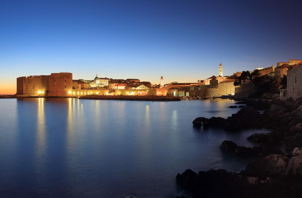Dubrovnik yhdistää ranta- ja kaupunkiloman.