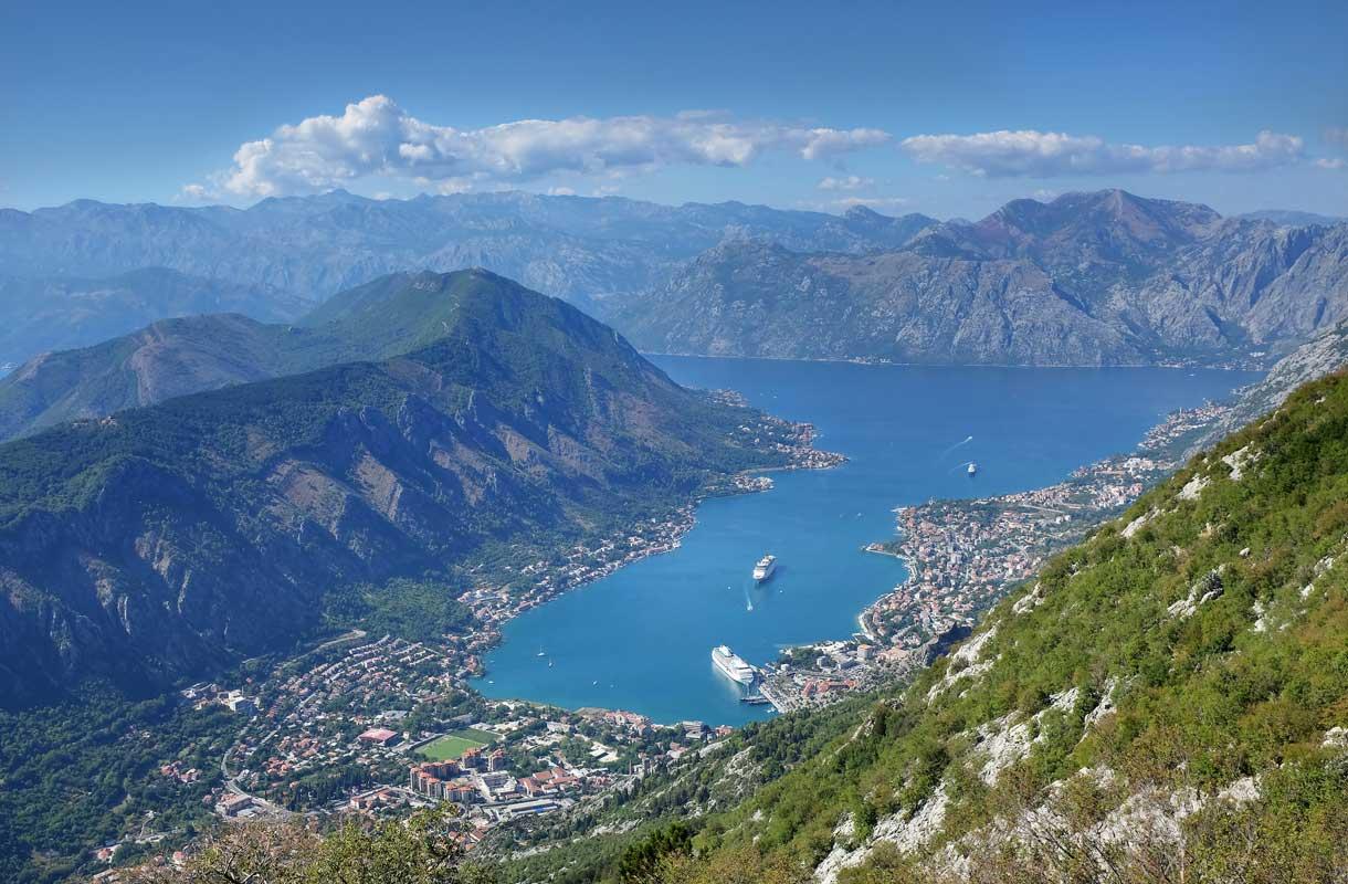 Upeita maisemia Montenegron Kotorissa.