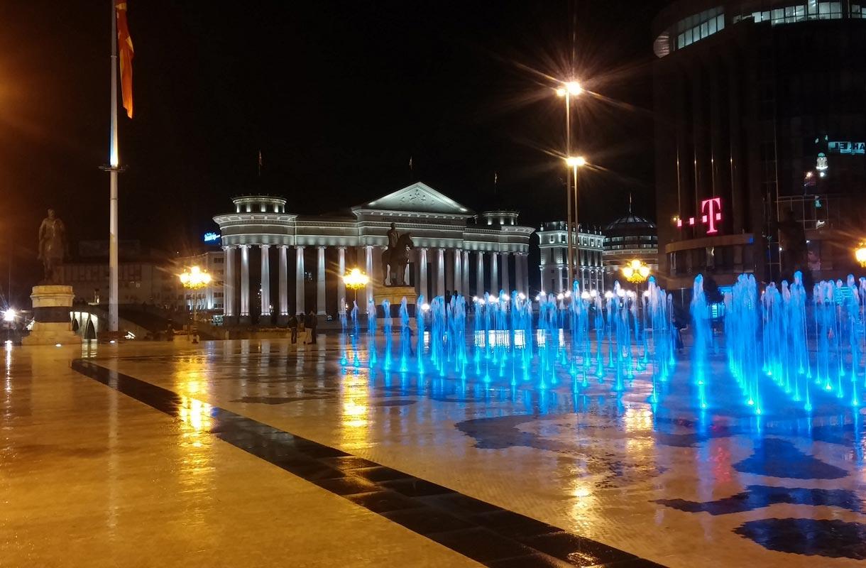 Skopje 2014-projekti täytti Makedonian pääkaupungin patsailla ja mahtipontisella arkkitehtuurilla.
