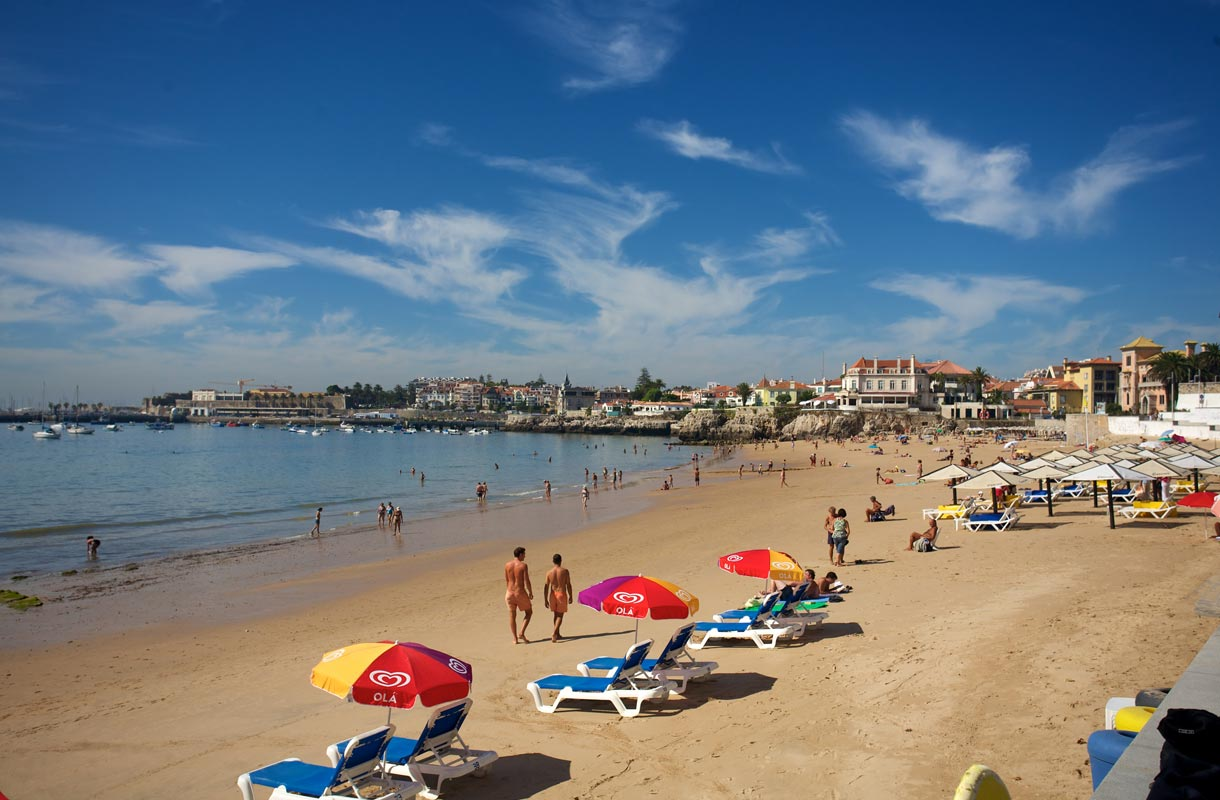 Estorilin rantakohde on erityisesti nuorten perheiden suosiossa.