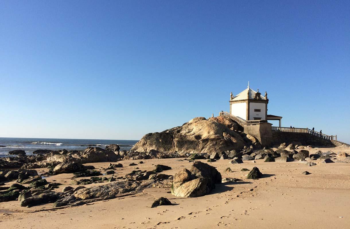 Praia da Miramar on portugalilaisten suosiossa.