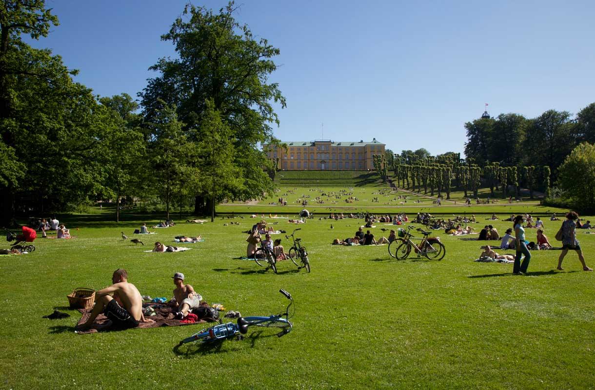 Frederiksbergin puistossa sijaitsee myös palatsi.