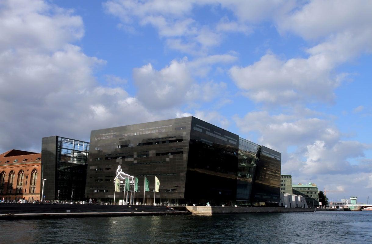 Mustan timantin arkkitehtuuria voi ihailla ilmaiseksi Kööpenhaminassa.