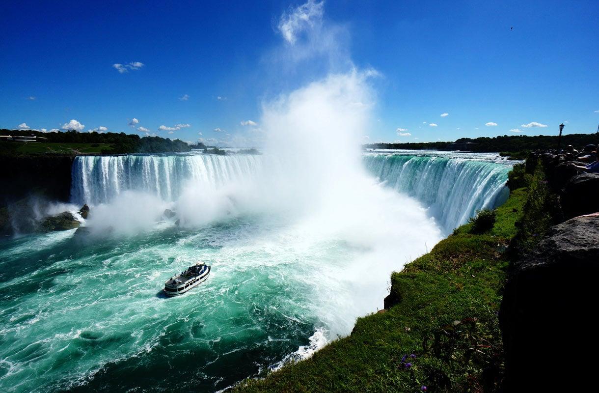 Niagaran putoukset houkuttelevat turisteja