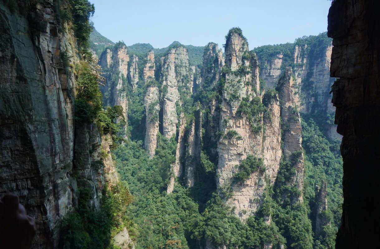 Kiinassa avattiin maailman korkein lasisilta
