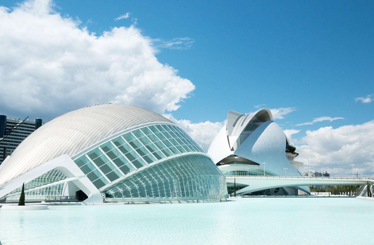 Valencian tieteiden ja taiteiden keskus on näyttävä kohde