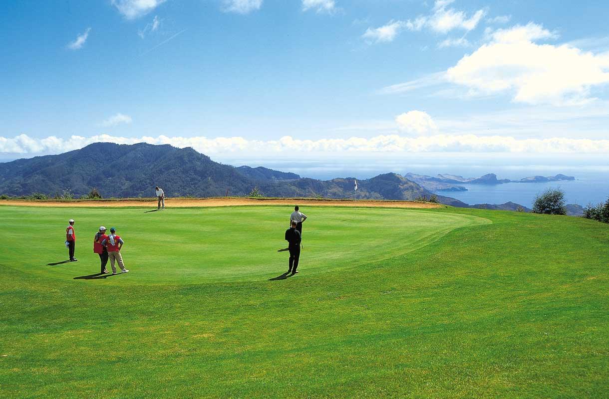 Madeiralta löytyy kolme golf-kenttää.