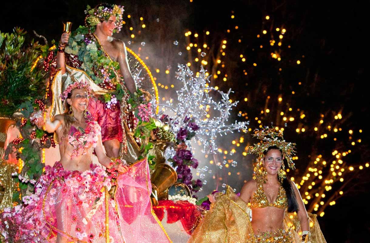 Madeiralla järjestetään helmikuussa karnevaalit.