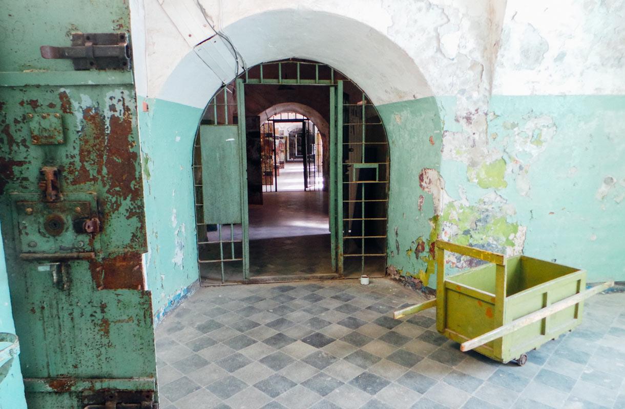 Patarein vankilan käytävät ovat nyt autioita.