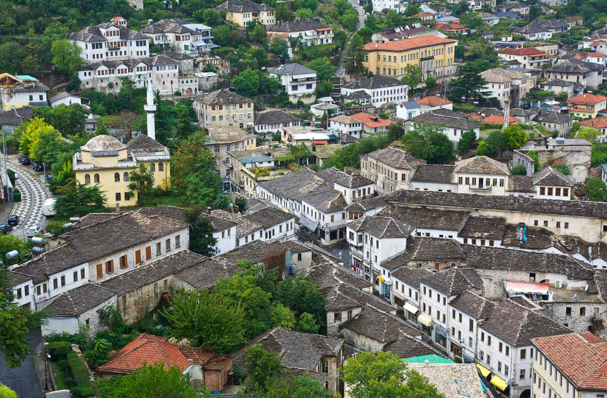 Albanian Gjirokastër - Apollomatkojen retki