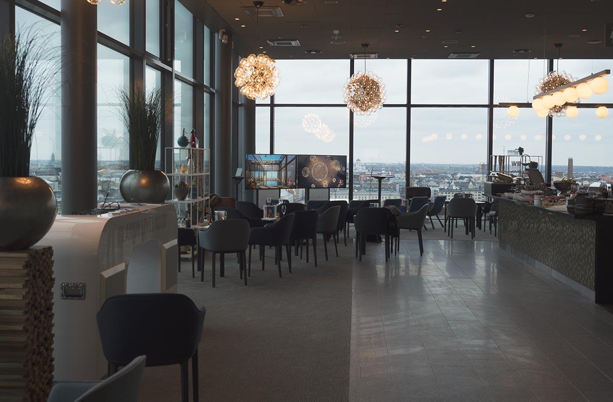 Clarion-hotellin Sky Room -baari
