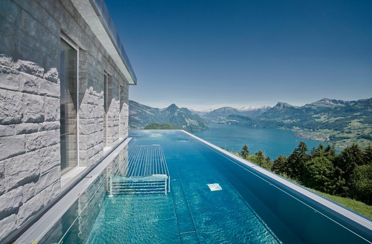 Villa Honegg -hotellin uima-allas