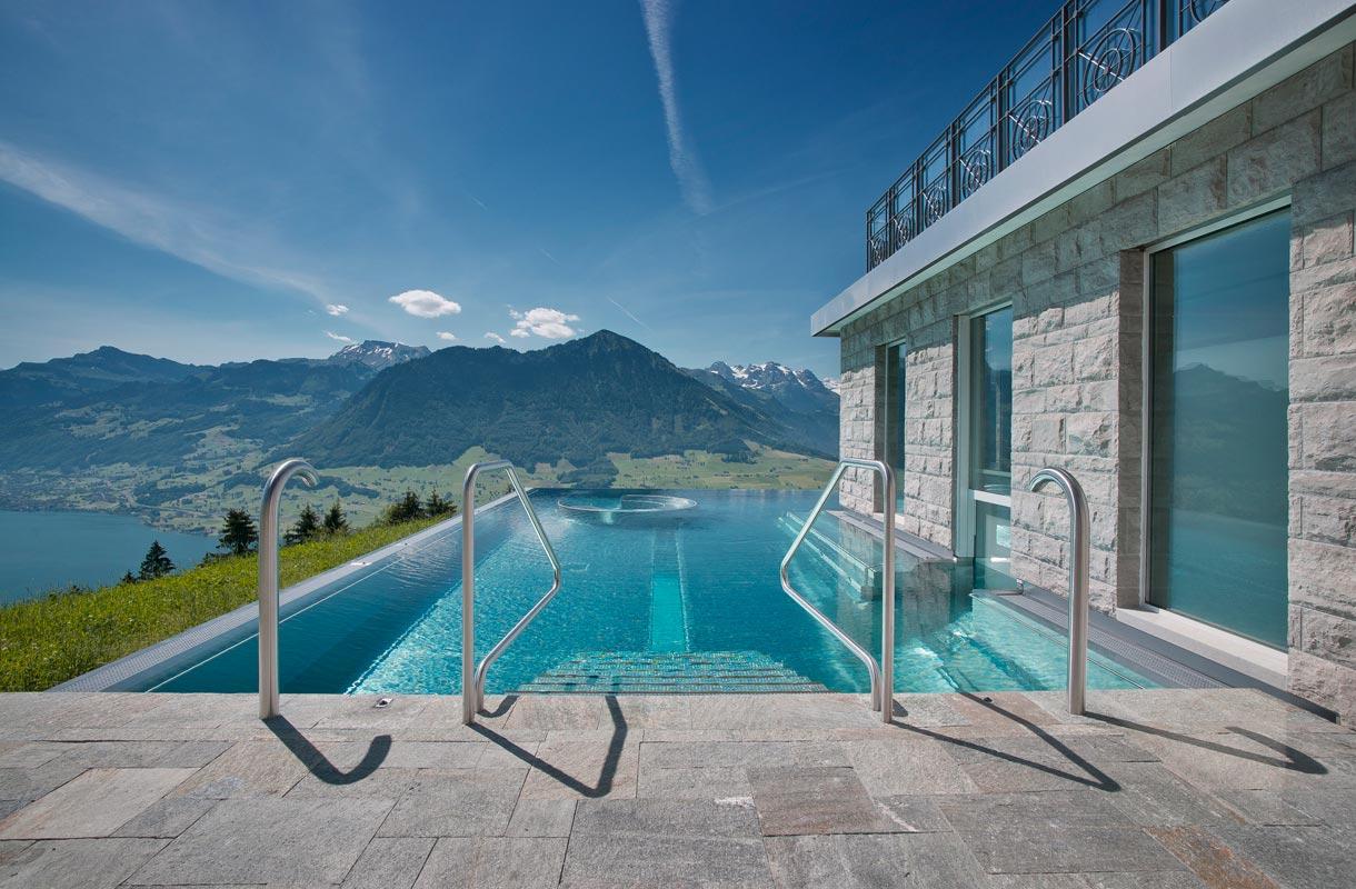 Uima-allas Sveitsissä