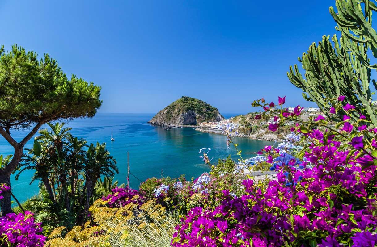 Ischian saari Italiassa