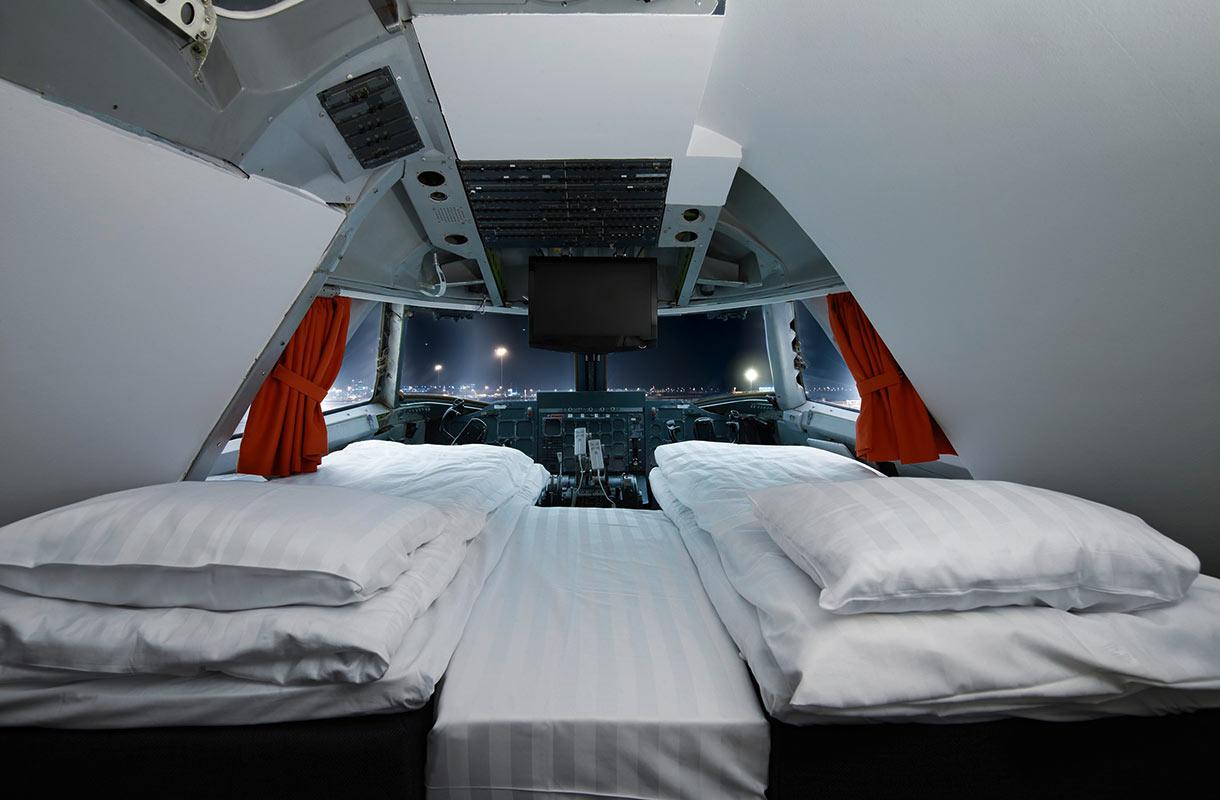 Hostelli lentokoneessa Arlandan kentällä