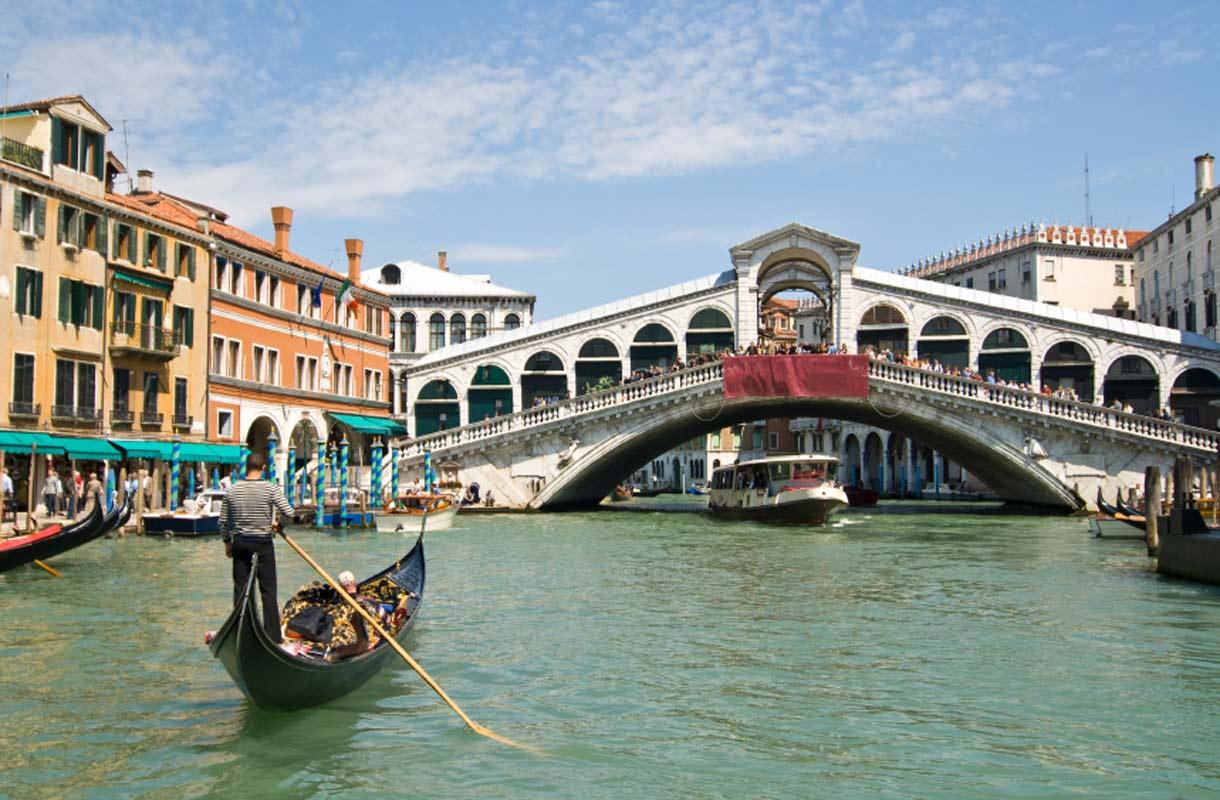 Venetsia haluaa rajoittaa turistien määrää