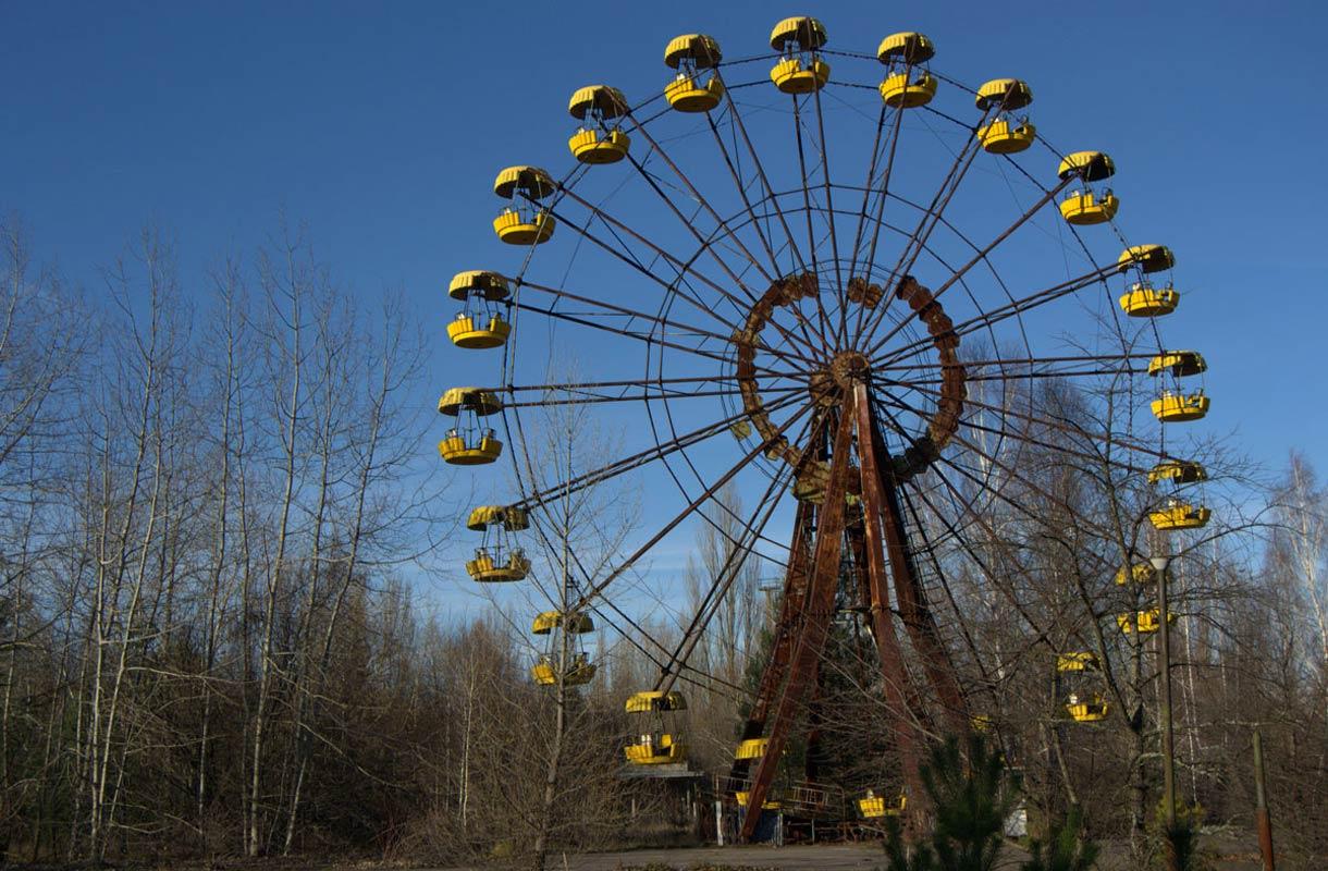 Hylätty maailmanpyörä Tšernobylin alueella