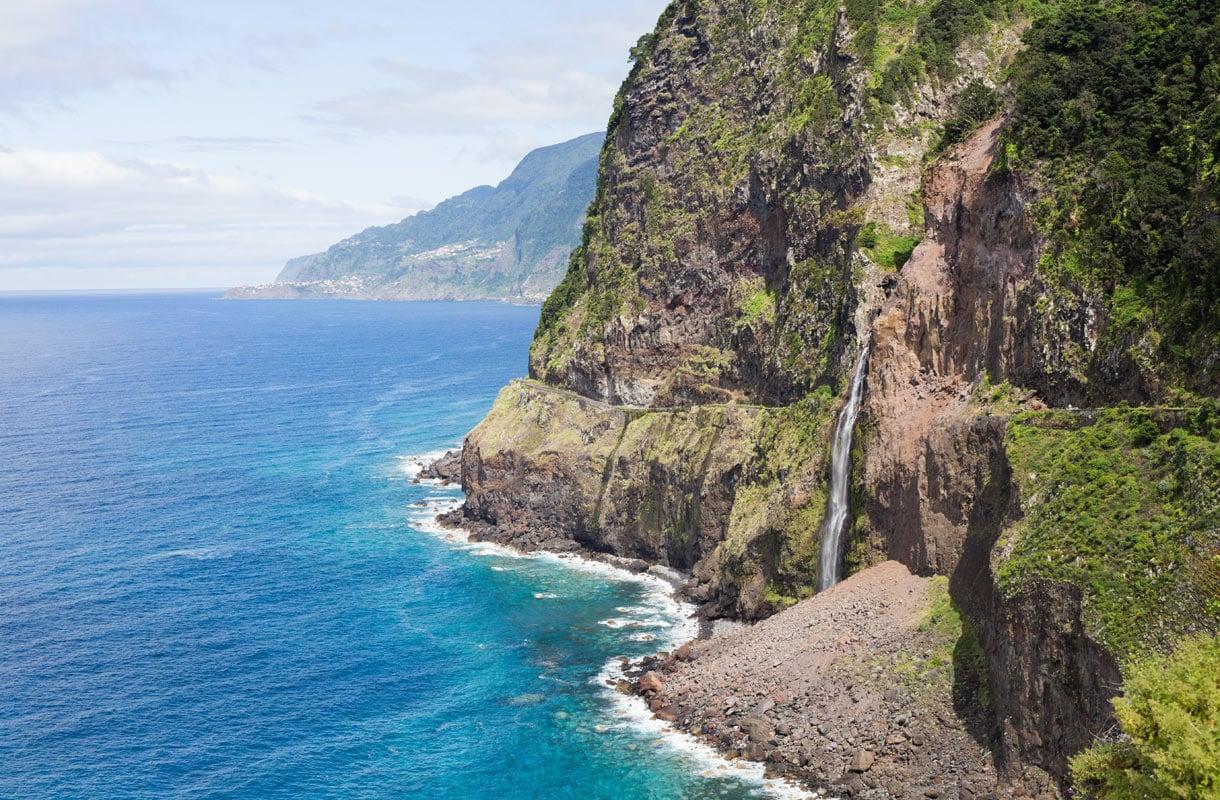 Veu de Noiva, Madeira