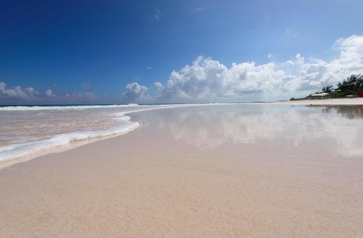 Bahaman vaaleanpunainen hiekkaranta