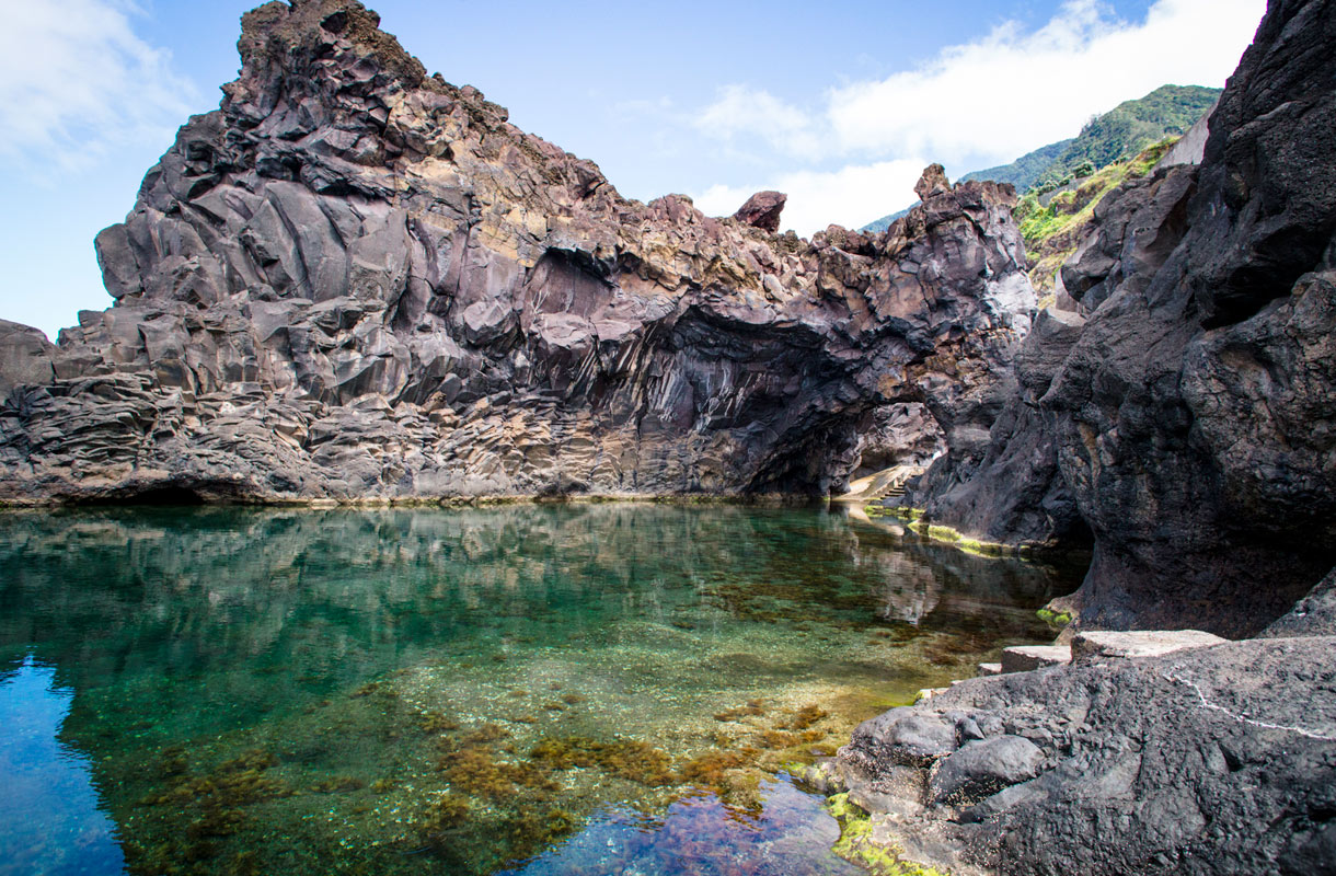 Luonnon muovaamat uima-altaat Madeiralla