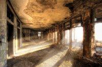 Detroitin hylätty asemarakennus Yhdysvalloissa
