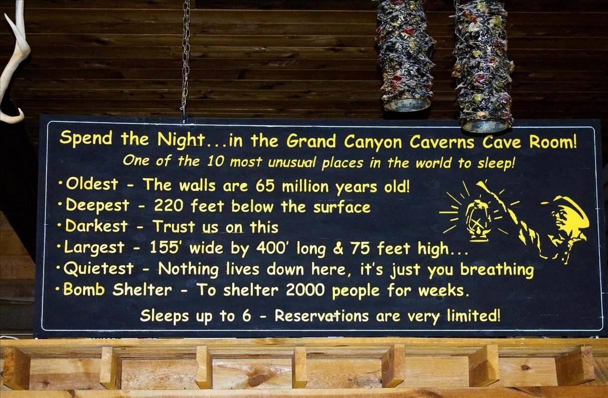 Maanalainen motellihuone Yhdysvaltojen Arizonassa
