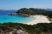 Sardiniassa voi saada sakot rantahiekan keräämisestä