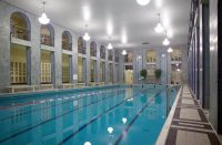 Helsingin Yrjönkadun uimahallissa uidaan alasti