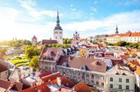 Tallinnan vaaleanpunaisin kahvila Vahvlihaldjad