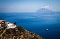 Liparisaarten Alicudi on Italian LSD-saari