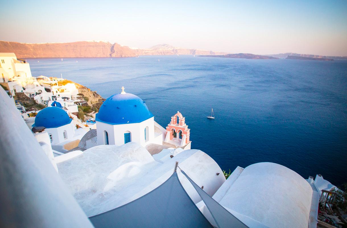 Santorinilta löytyy upeita hotelleja