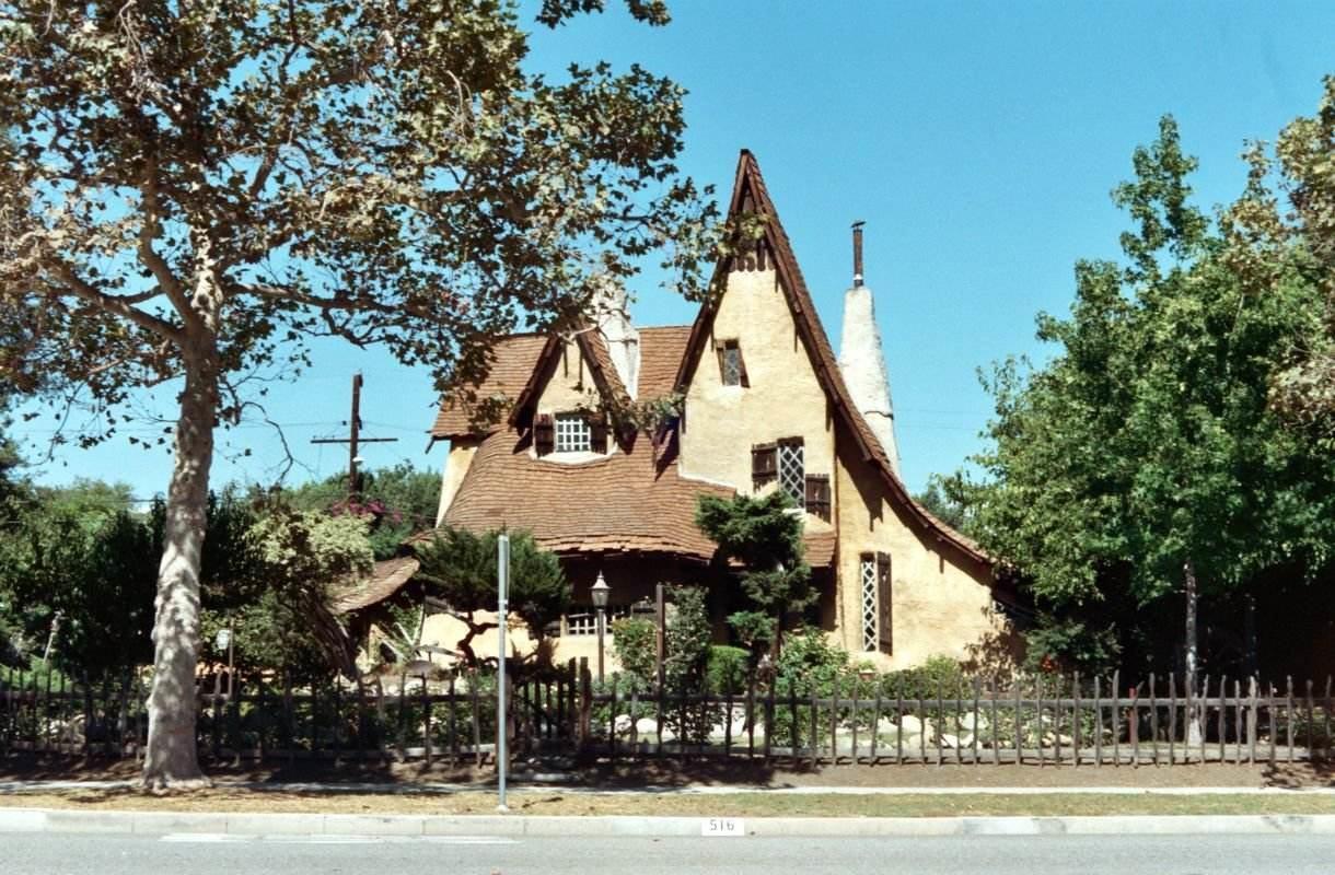 Spadena House on Beverly Hillsin noita-akan talo